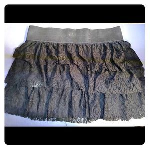 Torrid Black Ruffle Mini Skirt sz 2